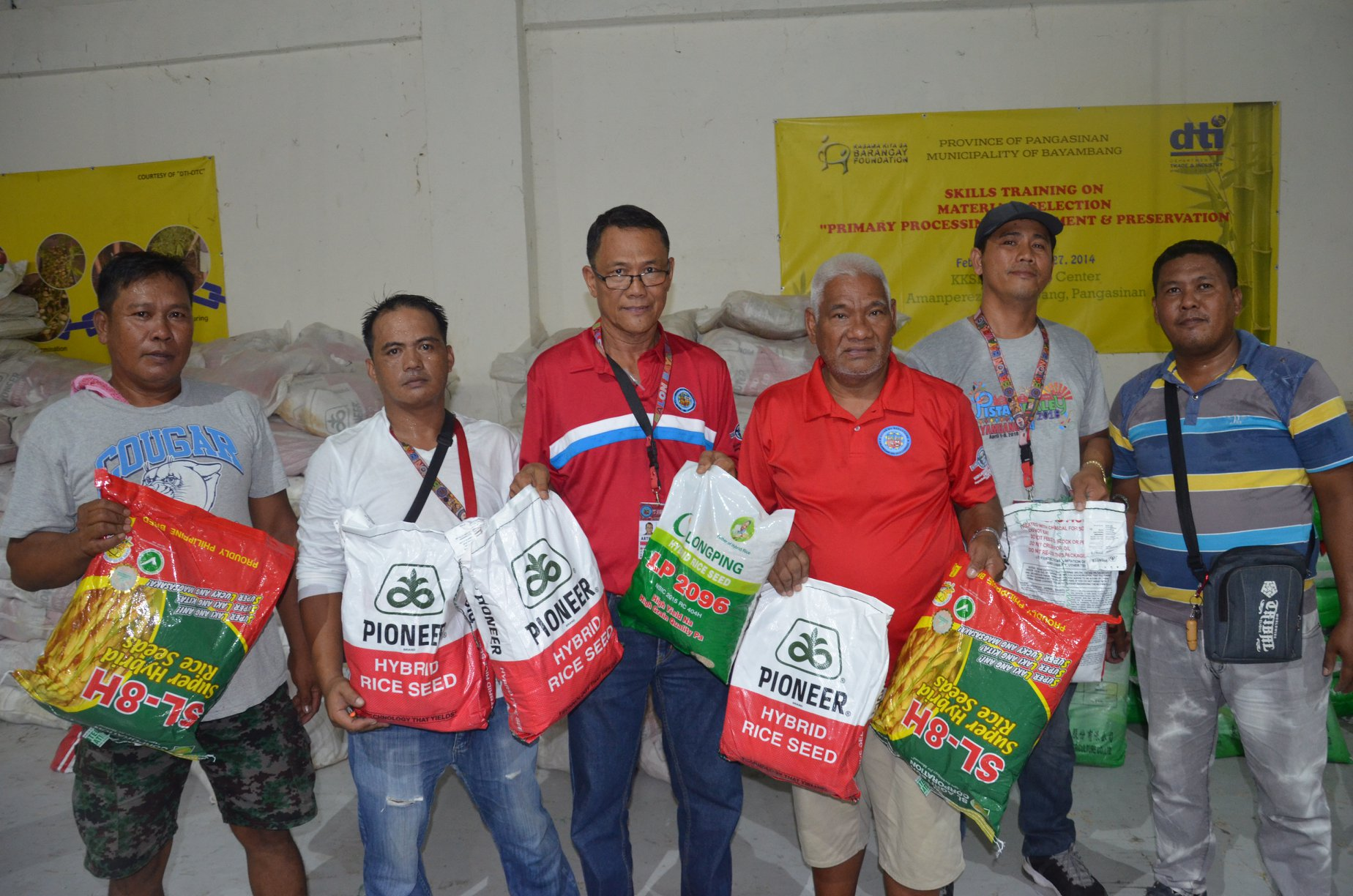 Sacks of palay seeds from DA distributed to harabas victims