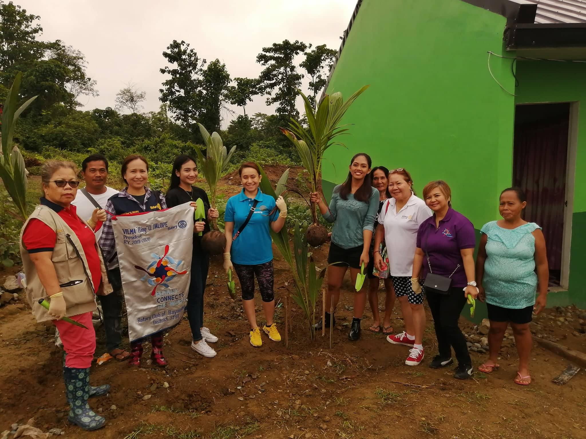 Rotary Club, Nag-Tree Planting at Feeding Activity sa ANCOP Village