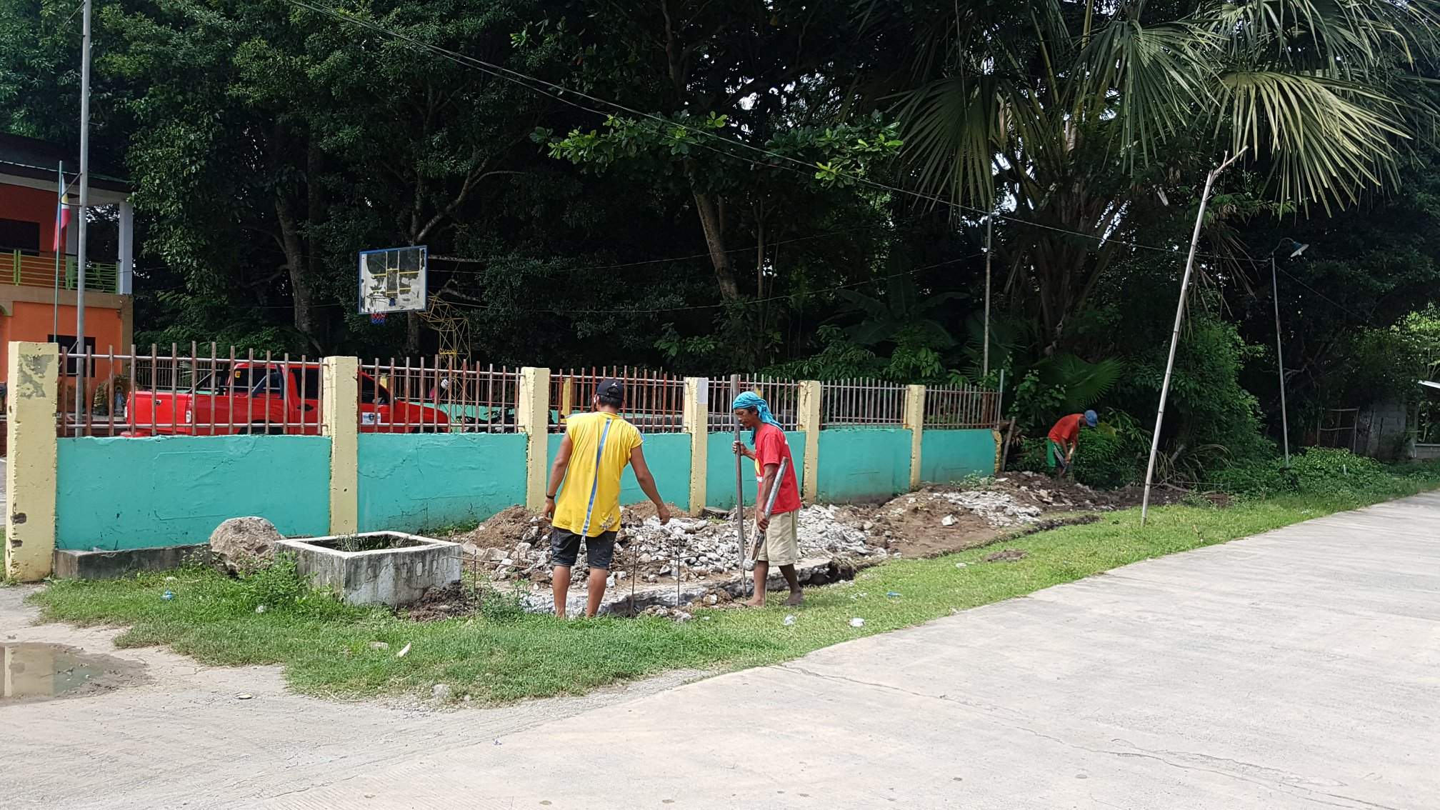 ONGOING: Construction of satellite market (talipapa) in Brgy. Malimpec