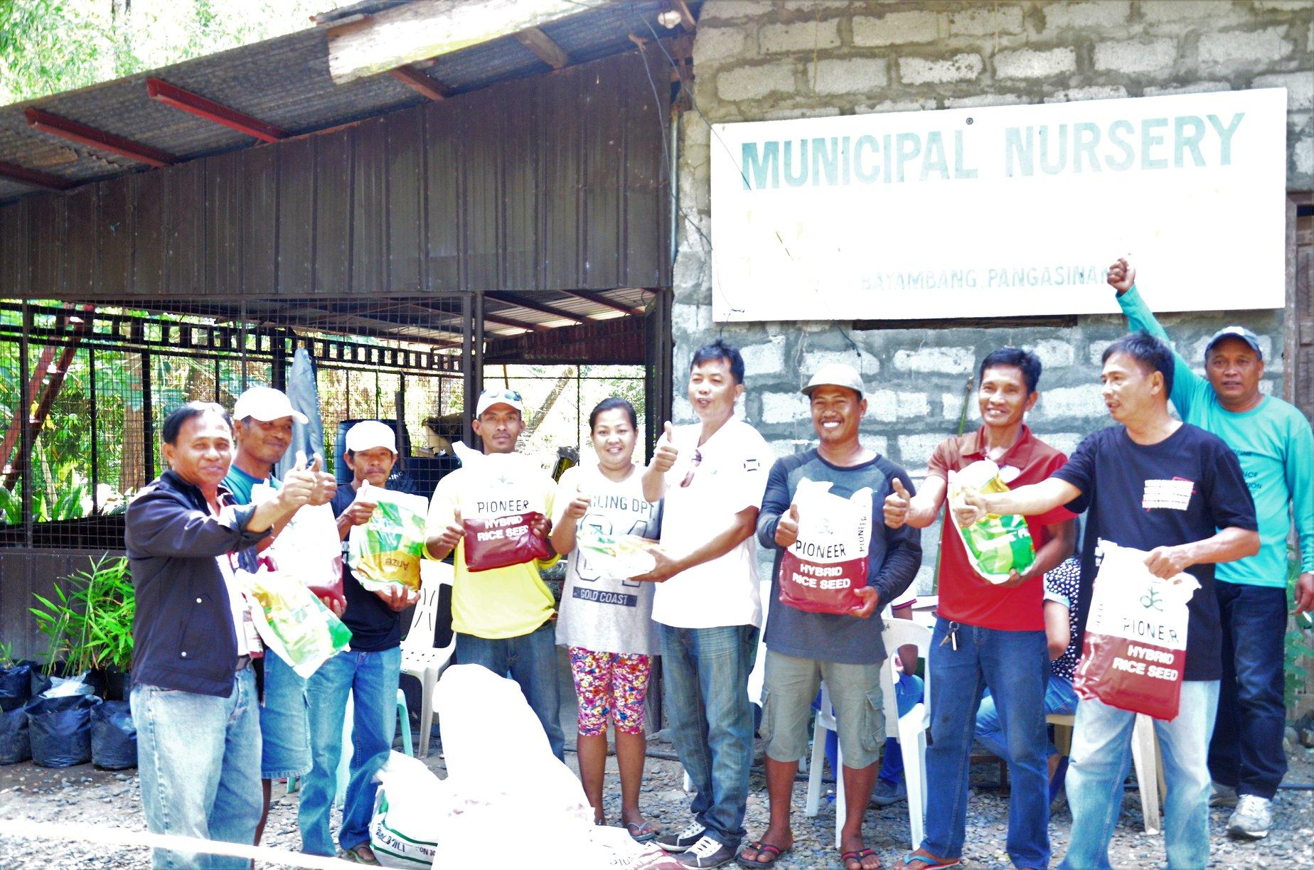 DA, Namigay ng Palay sa mga Nasalanta ng Bagyong 'Ompong'
