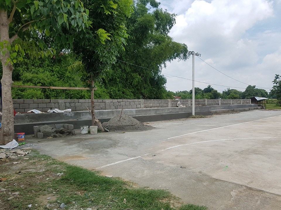Ongoing Improvement of Barangay Plaza in Buenlag 1st