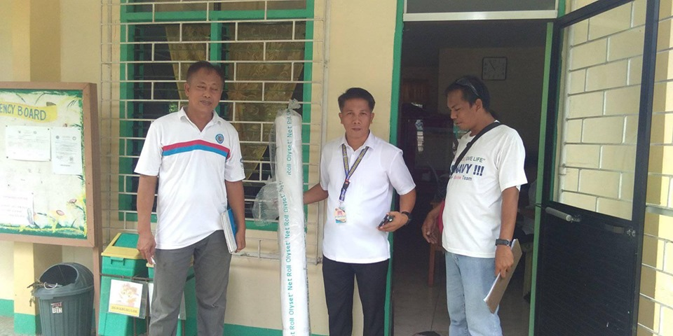 ANTI-DENGUE DRIVE CONTINUES with the distribution of Olyset net @ Buayaen Central School