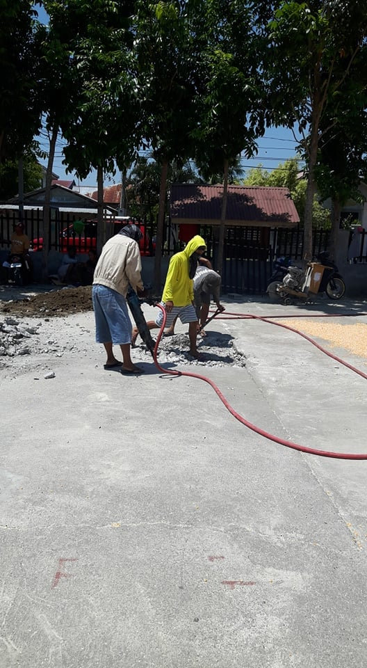 ONGOING Construction of Multi-Purpose Covered Court in Brgy. Buenlag 1st